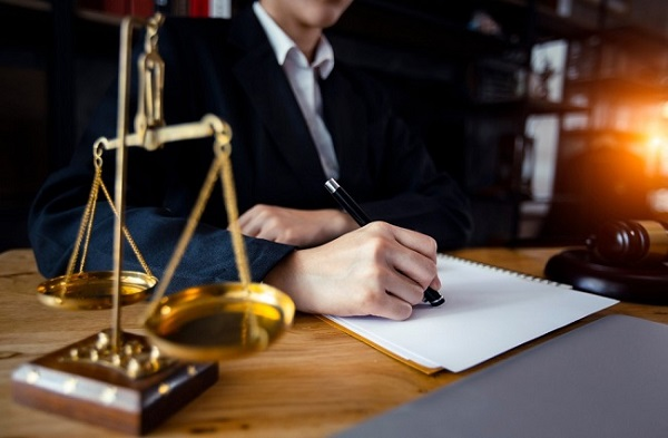 Top 10 Luật sư giỏi tại TPHCM năm 2020
