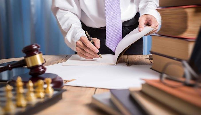 Luật sư sẽ hỗ trợ bạn soạn thảo văn bản pháp luật