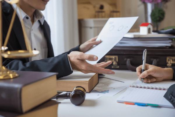 Luật sư có khả năng nói thành thạo ngoại ngữ