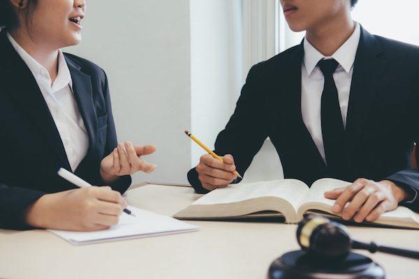 Kỹ năng giao tiếp chuyên nghiệp của người tư vấn pháp luật rất quan trọng