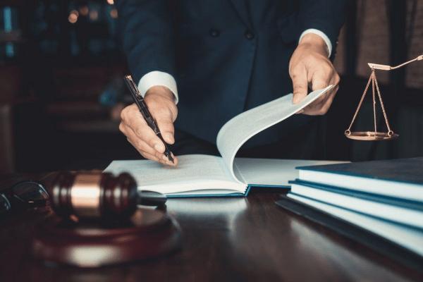Tư vấn pháp luật rất chú trọng vào việc nghiên cứu hồ sơ, tài liệu pháp lý